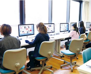 グラフィックデザイン学科の授業風景
