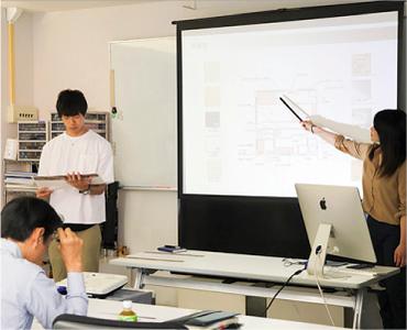 インテリアデザイン学科の授業風景